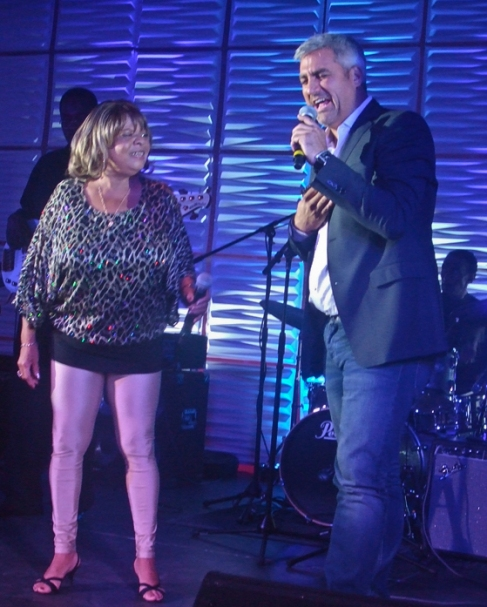Sandra Hall & Taylor Hicks