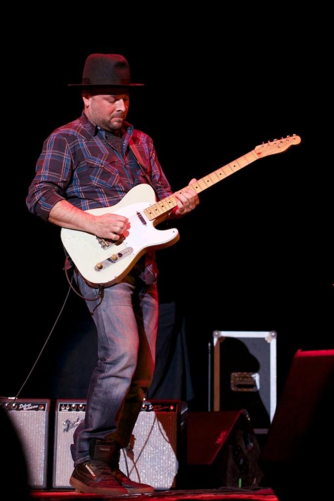 Guitarist Guthrie Trapp