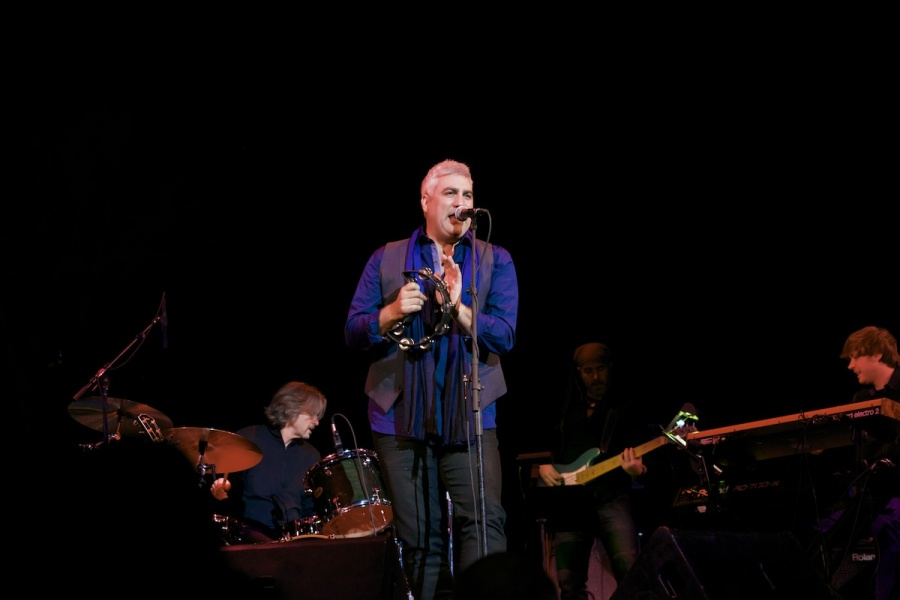 Taylor Hicks and Band photo by Louise Uznanski