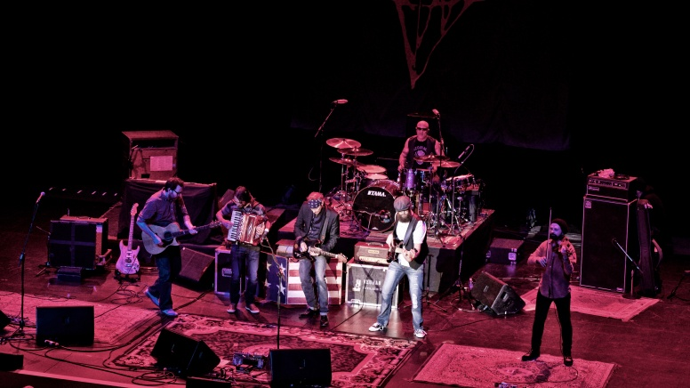 BoDeans featuring accordionist Stefano Intalesano